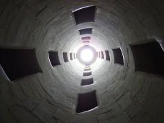 800px-Escalier_de_Chambord_(contreplongée).JPG